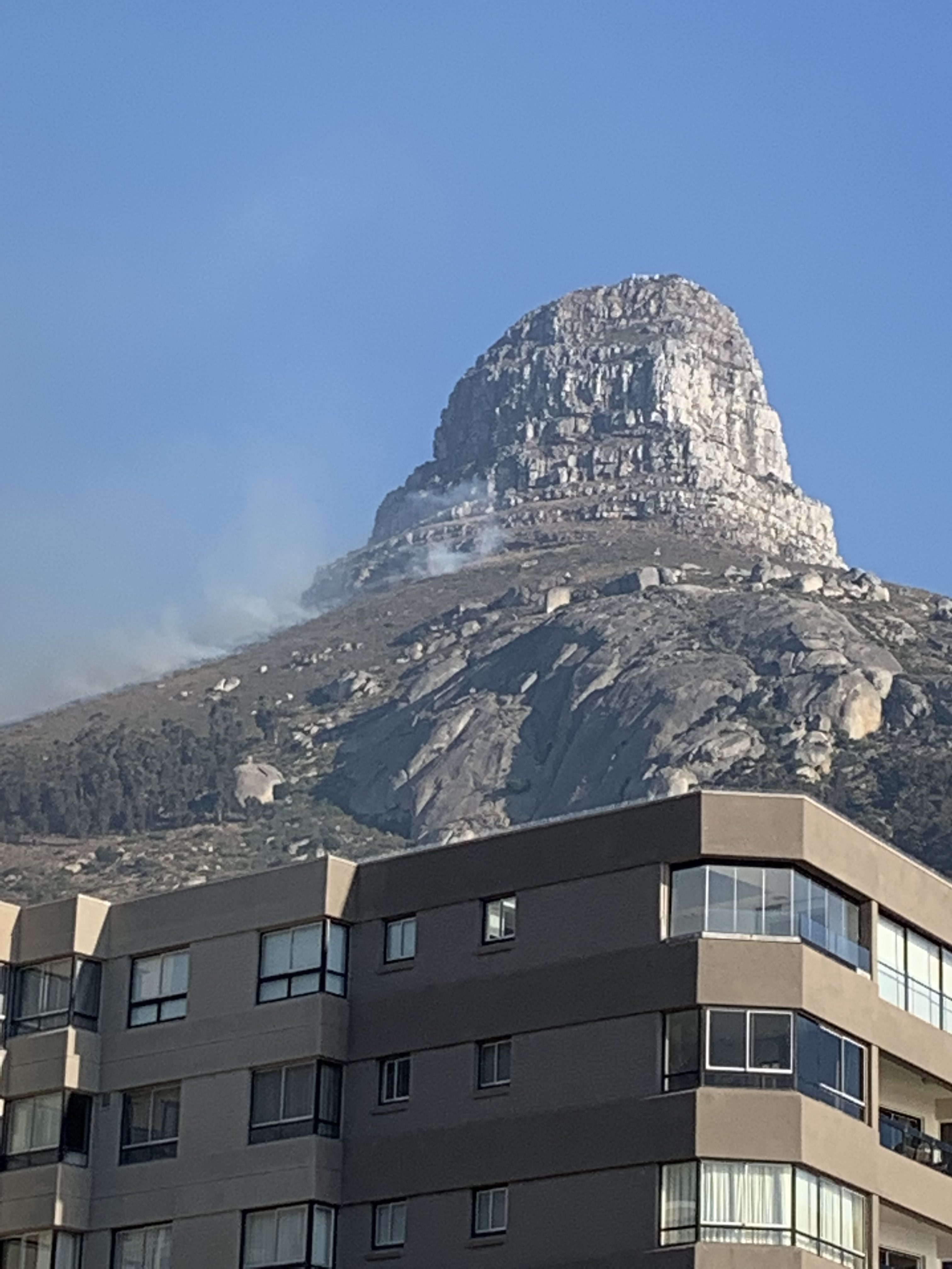 Fire on Lions Head and Signal Hill